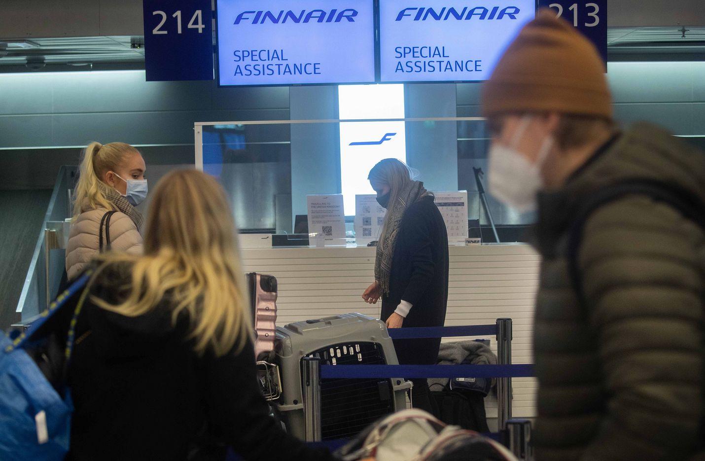 Ennen lentokieltoa Finnairilla oli joka päivä kaksi edestakaista suoraa lentoa Lontooseen ja yksittäisiä viikkovuoroja Dubliniin, Edinburghiin ja Manchesteriin.