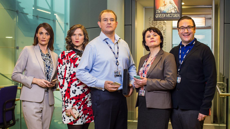 BBC:n väkeä esittävät Sarah Parish, Jessica Hynes, Hugh Bonneville, Monica Dolan ja Rufus Jones.