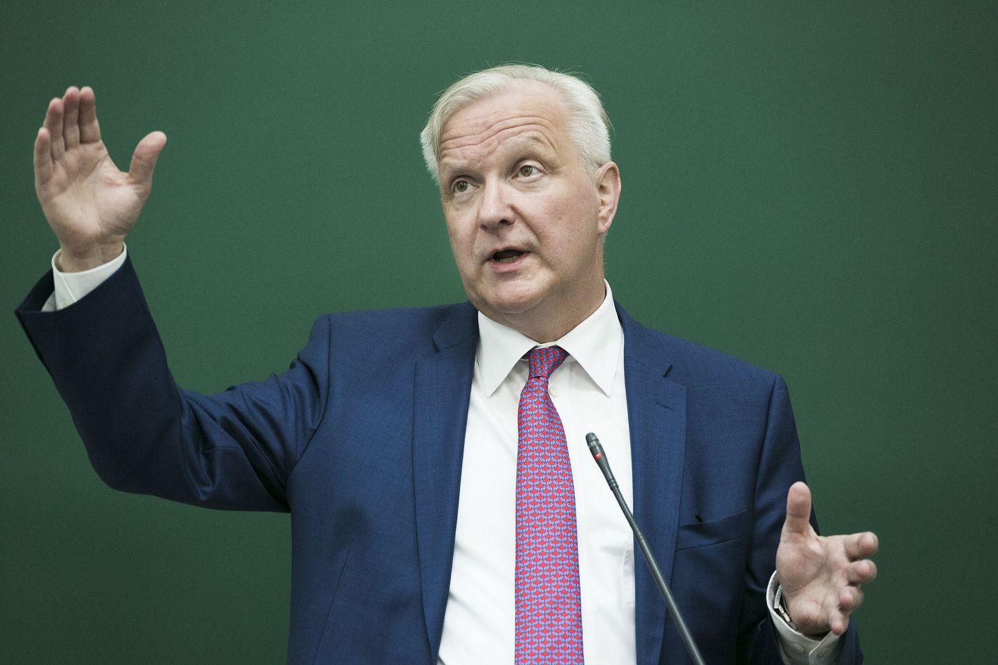 Suomen Pankin pääjohtaja Olli Rehn sanoi Ylen ykkösaamussa, että hän ei sulje pois presidenttiehdokkuutta, mutta hoidetaan koronakriisi ensin alta pois ja palataan sitten näihin kysymyksiin.