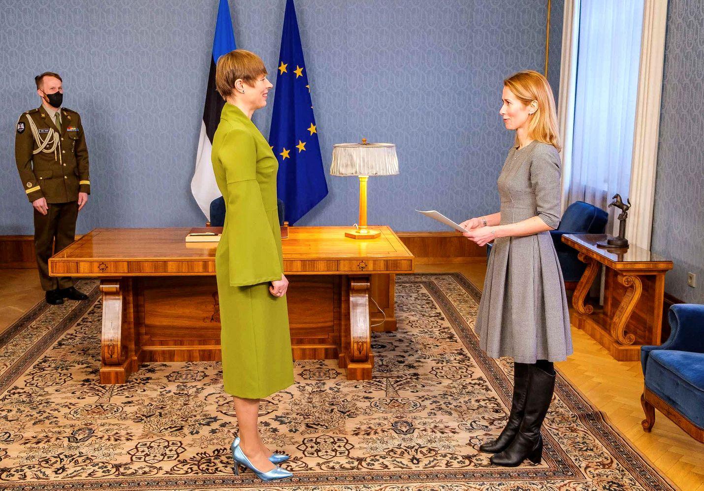 Viron presidentti Kersti Kaljulaid asetti Kaja Kallaksen tammikuun puolivälissä hallitustunnustelijaksi sen jälkeen, kun maan hallitus oli kaatunut.