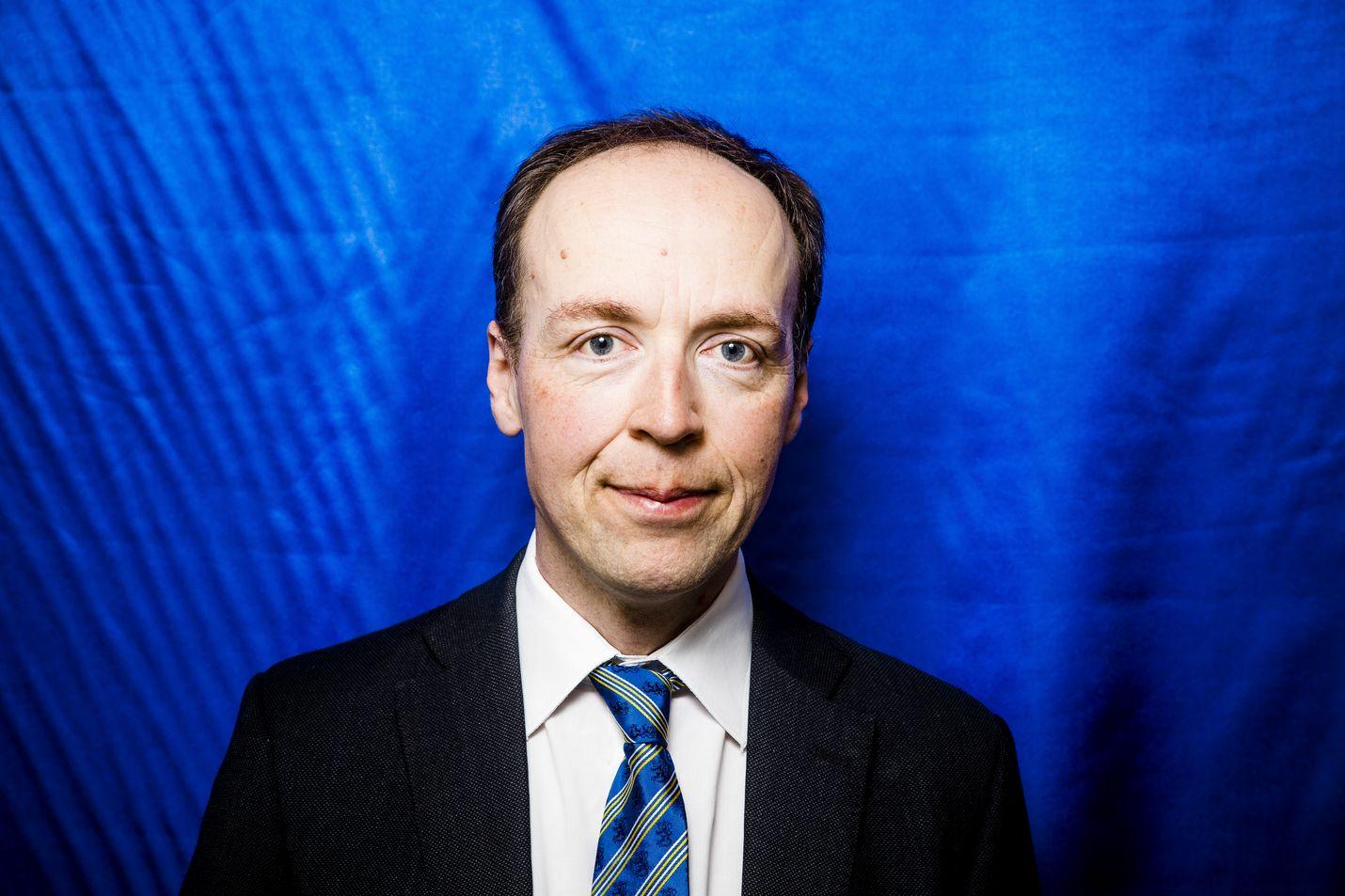 Puheenjohtaja Jussi Halla-aho sanoi, että perussuomalaisten sanoma kunnissa on sama kuin valtakunnassakin. – Hyvinvointi syntyy työstä ja yrittämisestä, ei verottamisesta.