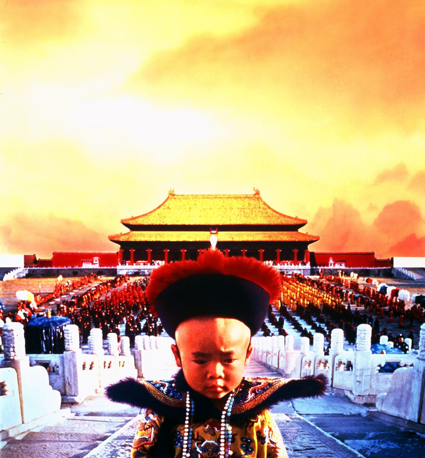 Yhdeksällä Oscarilla palkittu Bernardo Bertoluccin suurelokuva kertoo Kiinan keisarikunnan viimeisestä hallitsijasta 1900-luvun suurten muutosten keskellä.