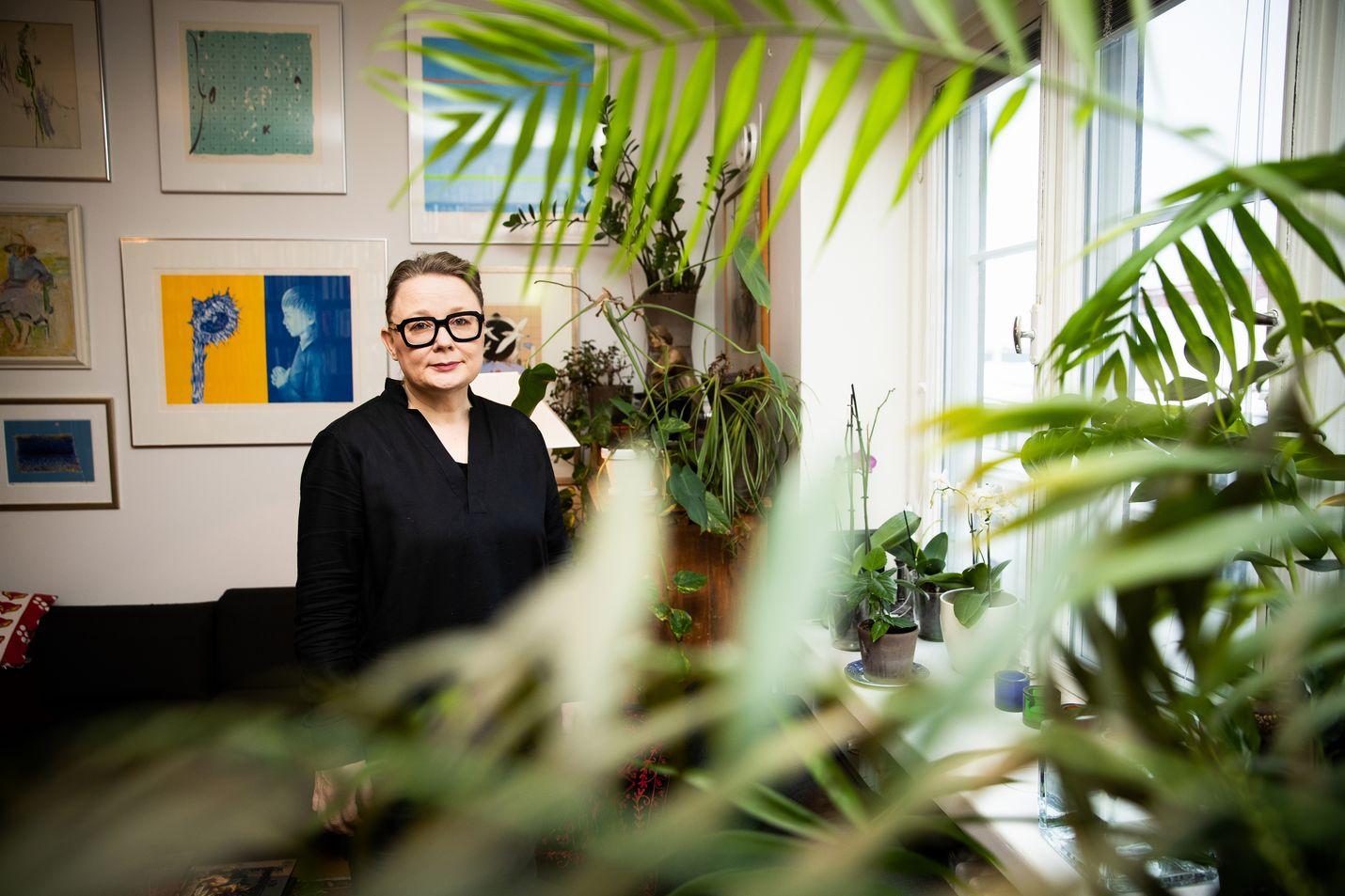 Apulaisprofessori Susanna Välimäki tutkii 1800-luvun suomalaisia naissäveltäjiä. Heitä on enemmän kuin tähän asti on luultu.