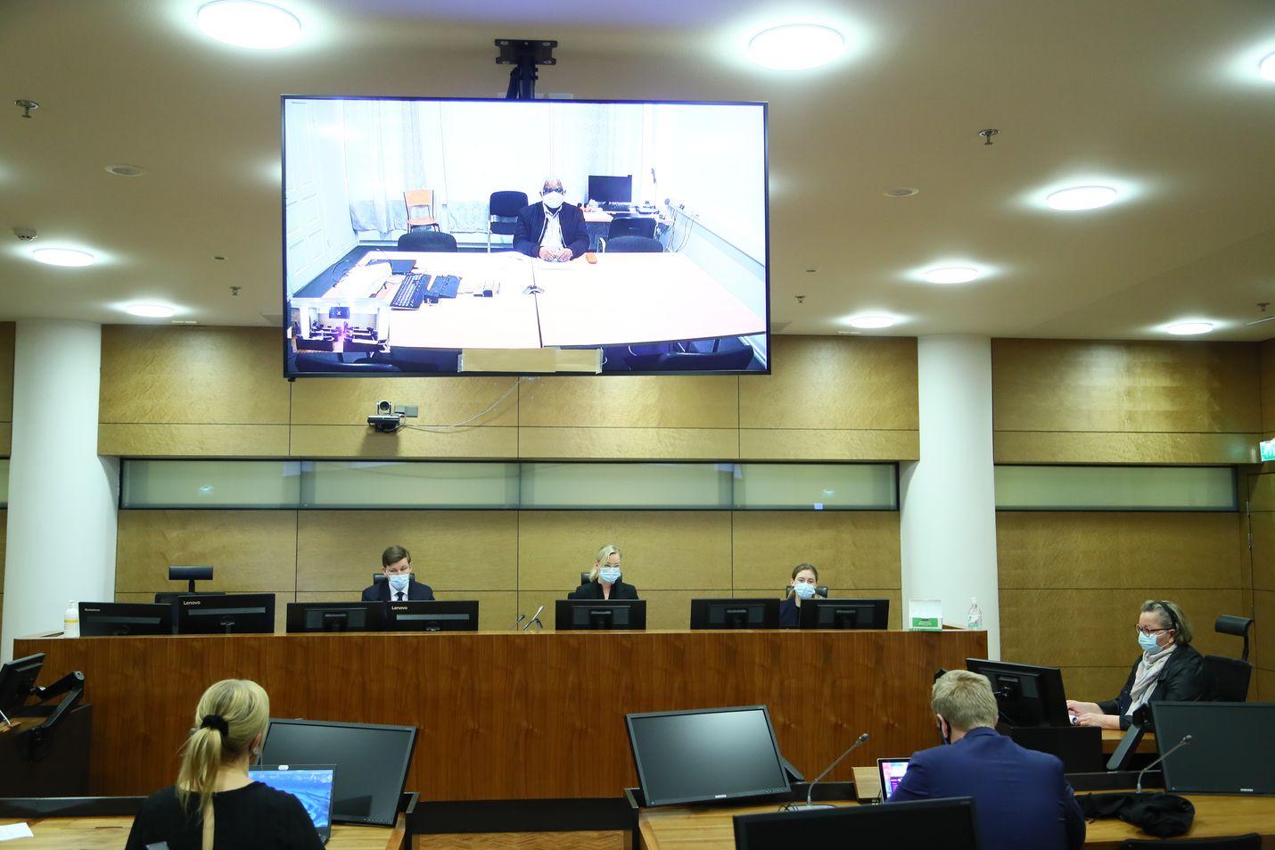 Helsingin hovioikeus käsitteli torstaina Ruandassa 1994 tapahtuneesta kansanmurhasta tuomitun elinkautisvangin, Francois Bazaramban, vapauttamishakemusta.