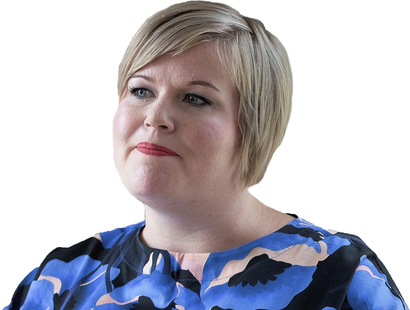 Kirjoittajan mielestä keskustan puheenjohtaja Annika Saarikon jatkuvat uhkailut heikentävät luottamusta.