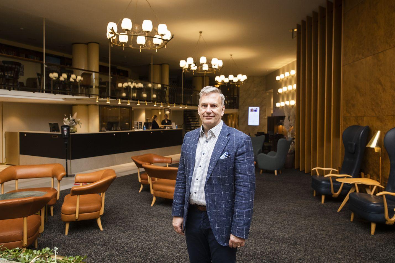 SOK:n matkailu- ja ravitsemiskaupan ketjuohjauksen johtaja Harri Ojanperä sanoo, että viive tuissa tappaa nyt elinkelpoisia yrityksiä.