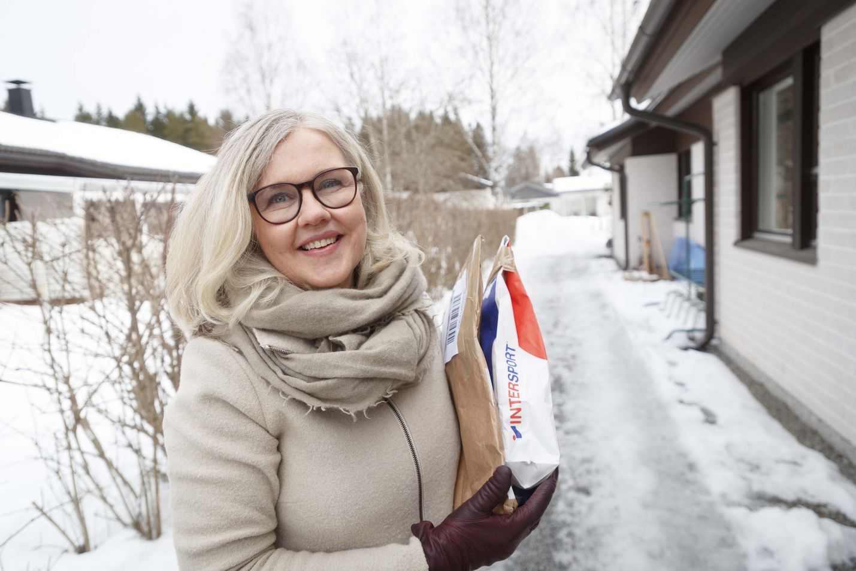 Business Finlandin ohjelmajohtaja Aija Kalander käyttää myös itse verkkokauppoja. Viimeksi hän tilasi netistä hiihtovaatteita.
