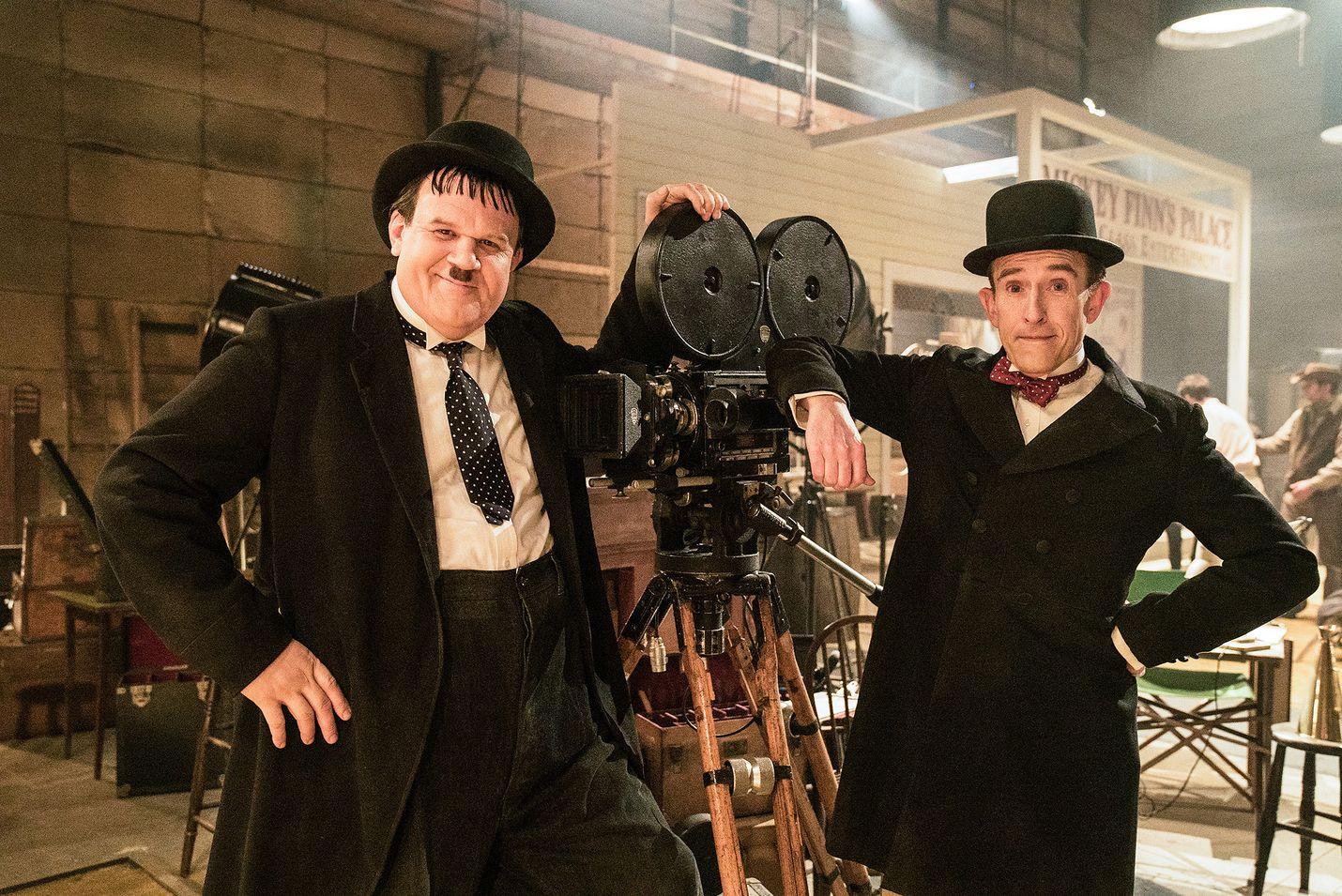 Lämminhenkisessä, tosipohjaisessa draamakomediassa Ohukainen ja Paksukainen eli Stan Laurel (Steve Coogan) ja Oliver Hardy (John C. Reilly) lähtevät puolisoineen 1950-luvun alussa Englantiin jäähyväiskiertueelle.
