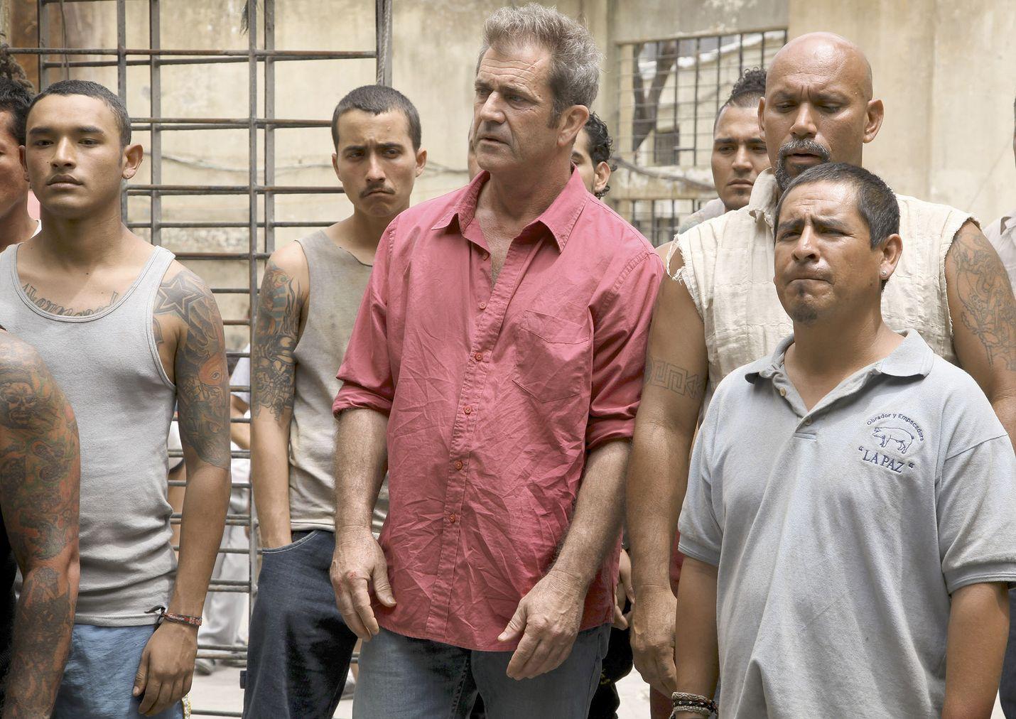 Toimintajännärissä Get the Gringo kulunut ammattirikollinen (Mel Gibson) suljetaan pahamaineiseen meksikolaiseen vankilaan, josta selviytyäkseen hänen on otettava yllättäväksi liittolaisekseen 10-vuotias poika.