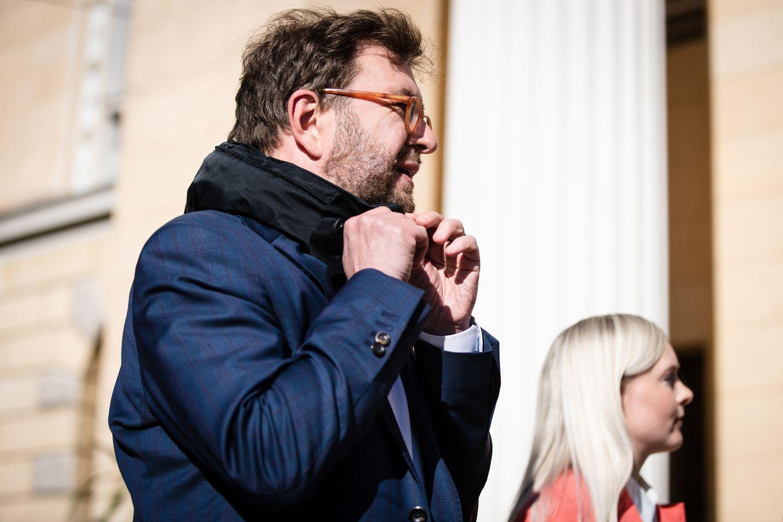 Liikenneministeri Timo Harakka vakuuttaa, että bensaveroa ei tällä hallituskaudella enää nosteta.