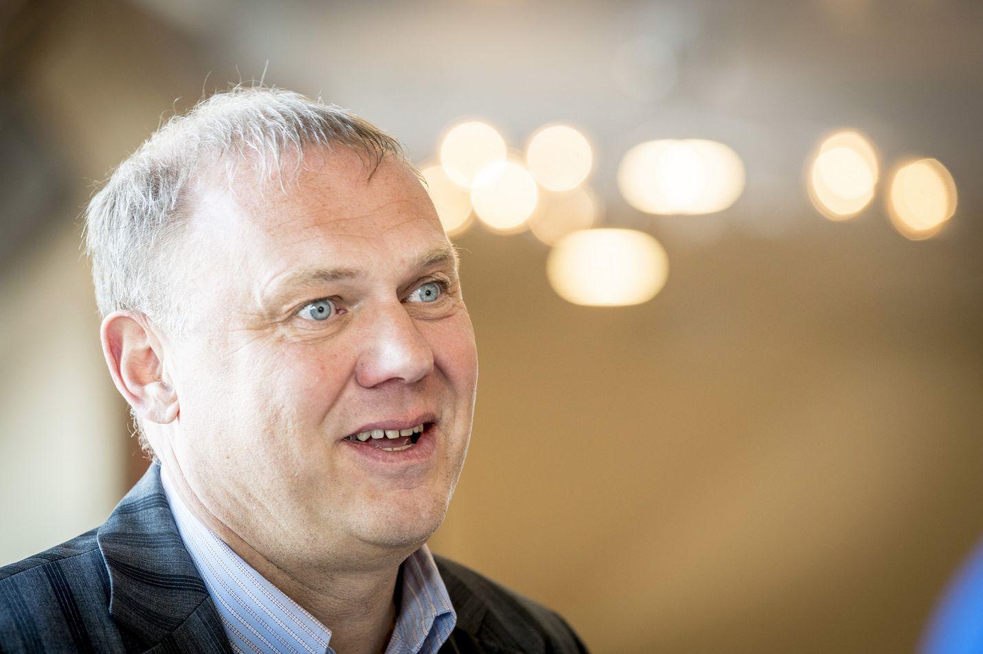 Tallink Silja Oy:n toimitusjohtaja Margus Schults toivoo, että liikenne voisi palautua Helsingin ja Tukholman väliselle reitille elokuussa.
