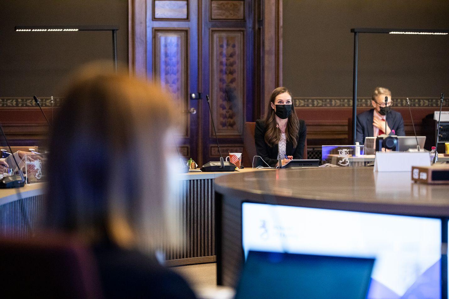 Pääministeri Sanna Marin johti budjetin valmistelua Säätytalossa. Neuvotteluja oli pohjustettu erityisavustajien kesken jo pitkään.