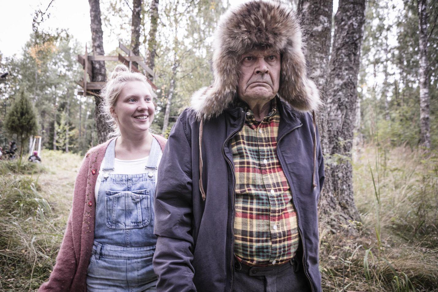 Mielensäpahoittaja (Heikki Kinnunen) aikoo kuolla, koska kaikki hommat on tehty ja elämästä kadonnut tarkoitus. Mielensäpahoittajan luo saapuu uusi elämä, kaupunkilaistyttö Sofia (Satu Tuuli Karhu).