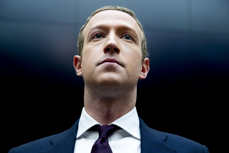 Mark Zuckerberg on Facebookin perustaja ja samannimisen pörssiyhtiön toimitusjohtaja. Jos Facebook olisi maa ja 2,9 miljardia käyttäjää sen kansalaisia, Zuckerberg johtaisi kaksi kertaa Kiinan kokoista supervaltaa.