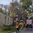 Tulipalo tuhosi viime talvena talon toiselta puolelta katua.
