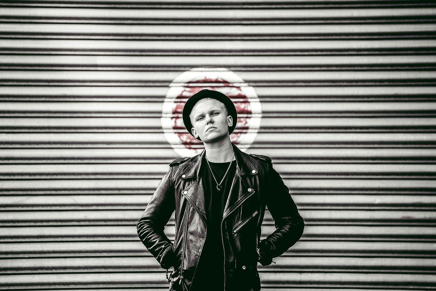 """""""En välitä jos saan rapaa niskaani"""" - Arttu Lindeman on yksi Spotifyn  suosituimmista artisteista 24e895edac"""