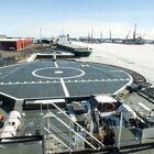 Laivalle voi laskeutua myös helikopterilla.