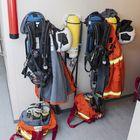 Varusteita löytyy niin palomiehille kuin sukeltajillekin.