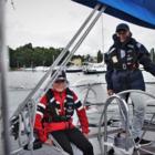 Iiro Uussaari (vas.) ja Leevi Lindgren ovat Myrskypoikien purjehdusmatkasta innoissaan. Kymmenhenkinen miehistö purjehtii Raumalta Turkuun viikon aikana. Uussaari ja Lindgren kuuluvat miehistön konkareihin, sillä molemmat ovat harrastaneet meripartiota ja purjehdusta useampiai vuosia.