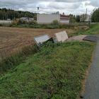 Uotilassa tuuli oli heivannut bussipysäkin pois paikoiltaan. Kuva: Taija Salonen