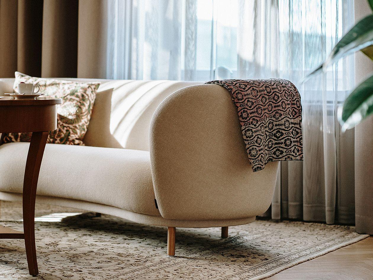 Dandy-sohva Hotel St. Georgen Coupole-sviitissä