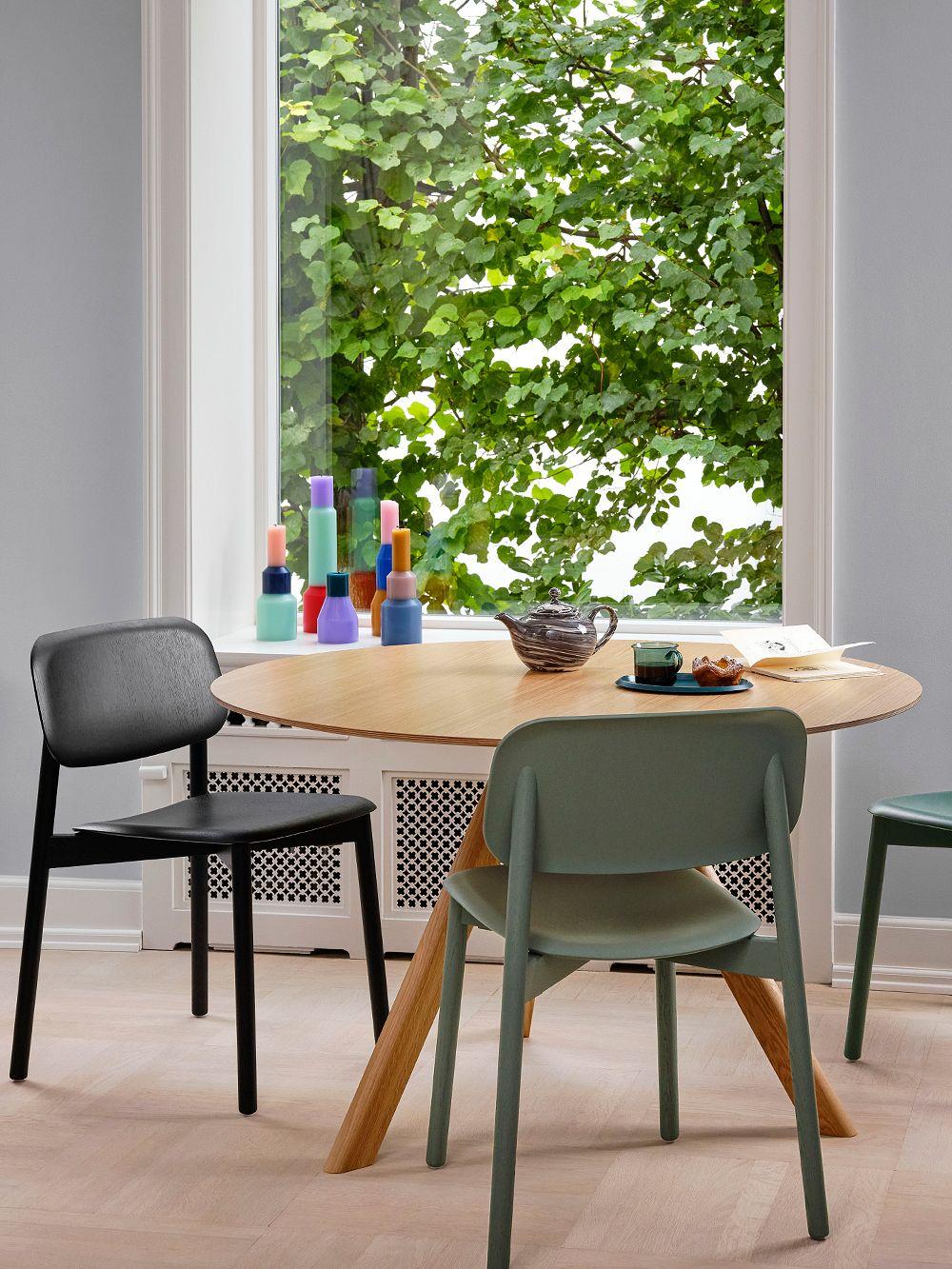 Hay CPH20 pyöreä pöytä 120 cm, lakattu tammi