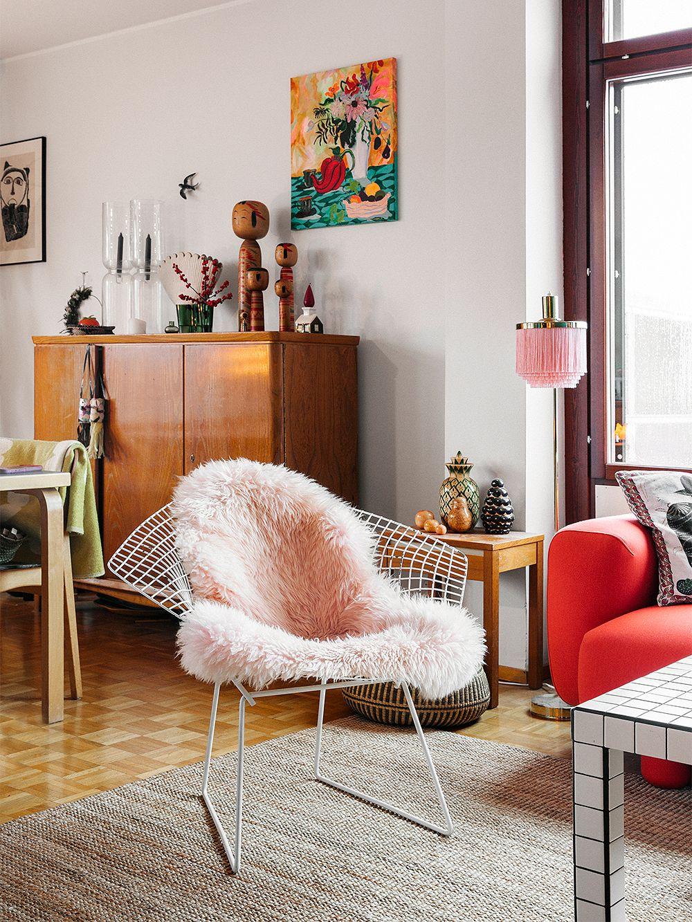 Harry Bertoian suunnittelema Diamond-tuoli