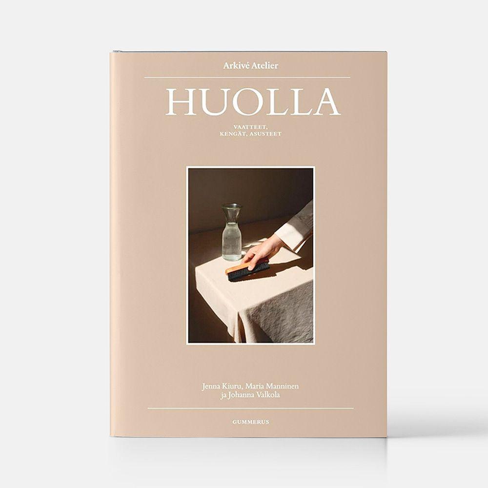 Arkivé Atelier Huolla: vaatteet, kengät, asusteet -kirja