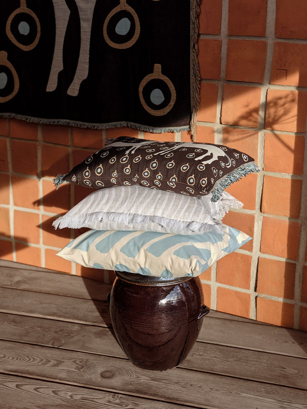 Marimekko Musta tamma -tyynynpäällinen