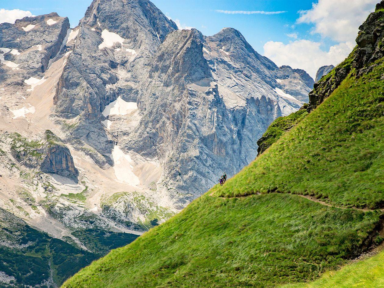 Pyöräilyreitit mahtavissa maisemissa: Dolomiitit, Italia