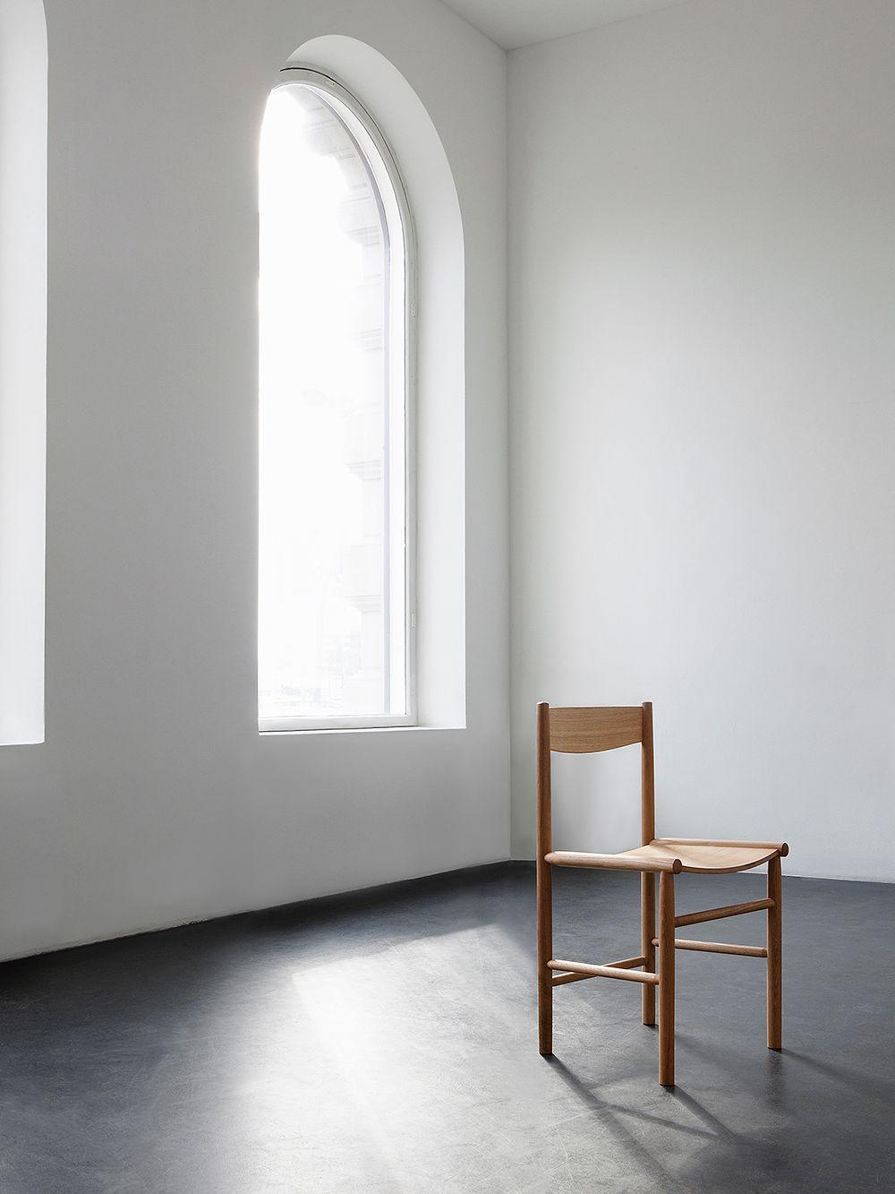 Nikarin Akademia-tuoli