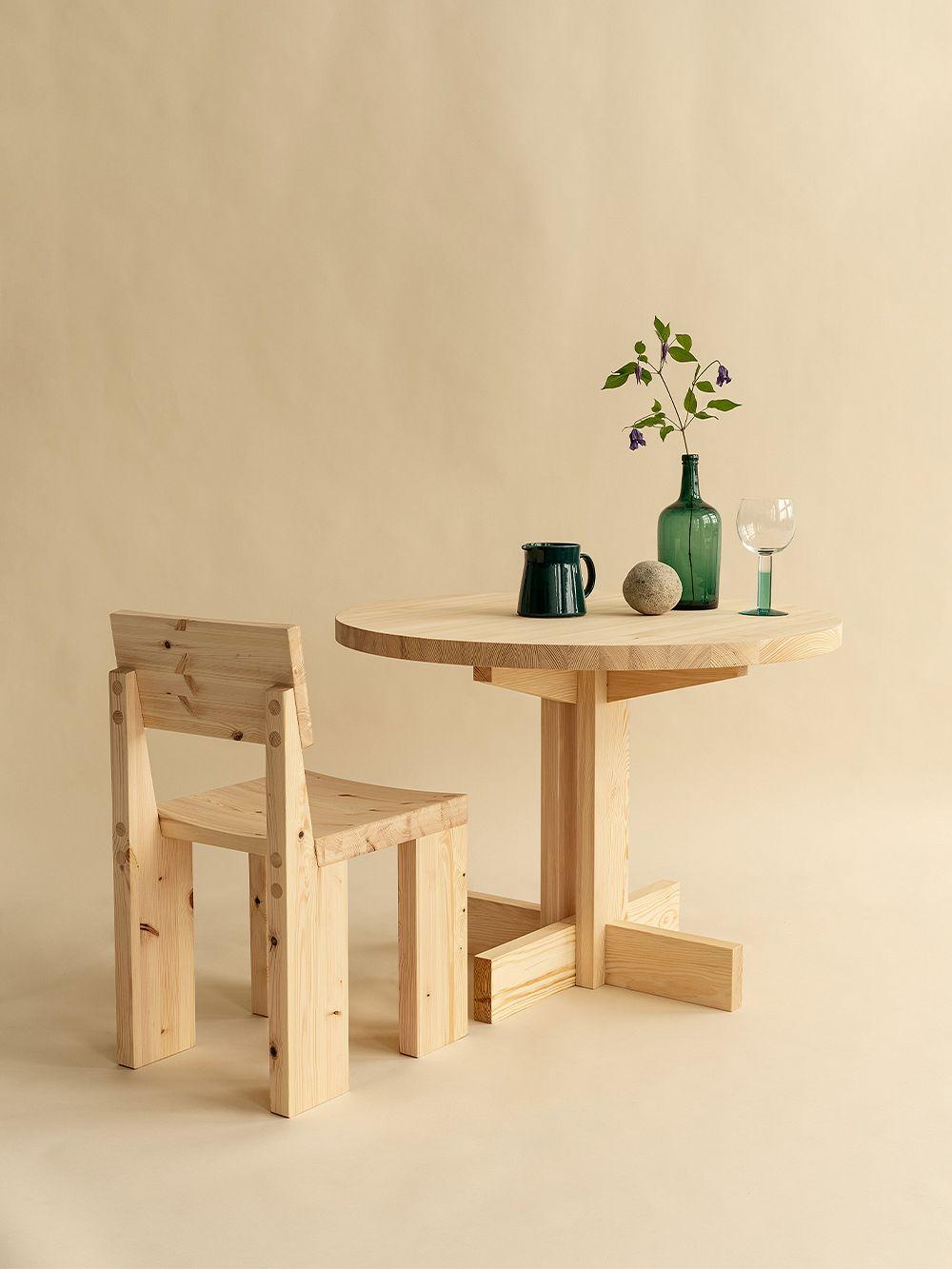 Vaarnii 001 ruokapöydän tuoli, mänty