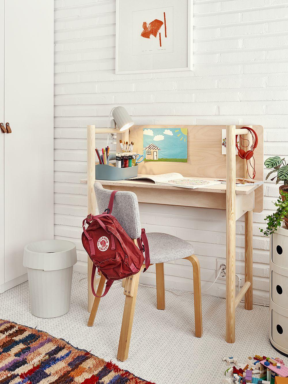 Made by Choice Fem-työpöytä lastenhuoneen sisustuksessa.