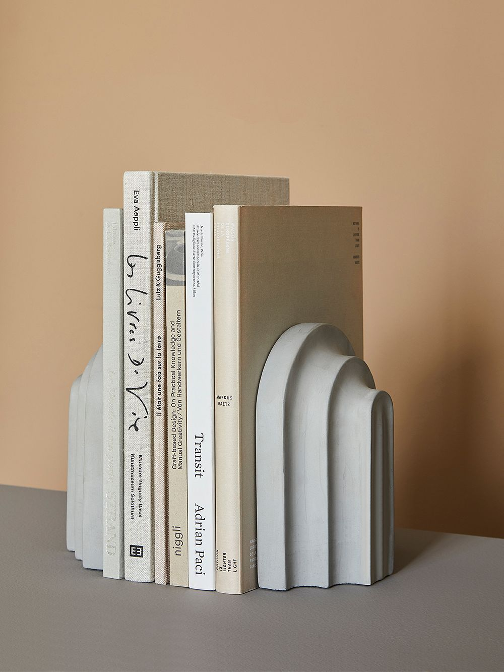 Woud's Arkiv bookend