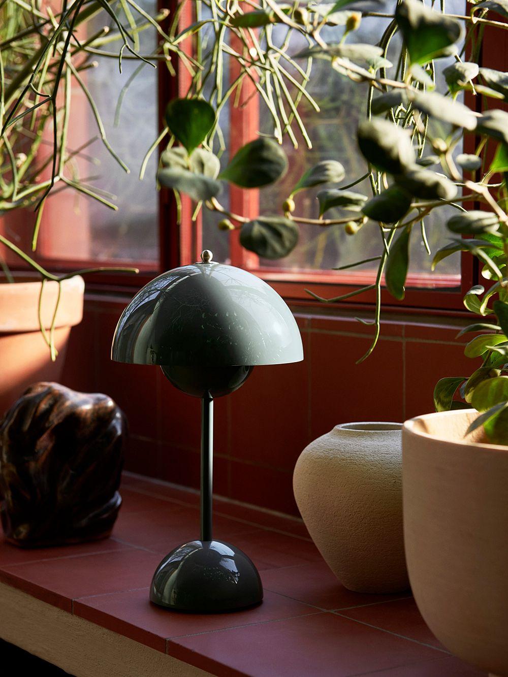 &Traditionin johdoton Flowerpot-pöytävalaisin