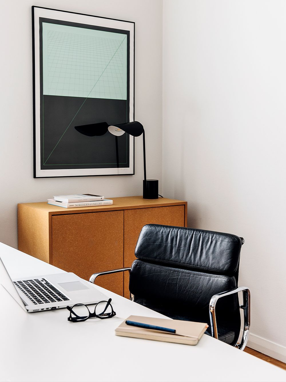 Vitra Eames-työtuoli