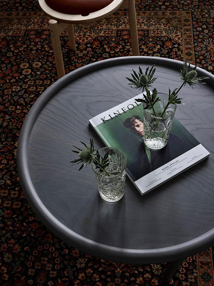 Hayn musta Serve-sohvapöytä