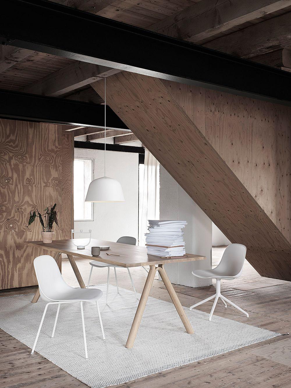 Muuto Fiber ruokapöydän tuoli, putkijalat, valkoinen