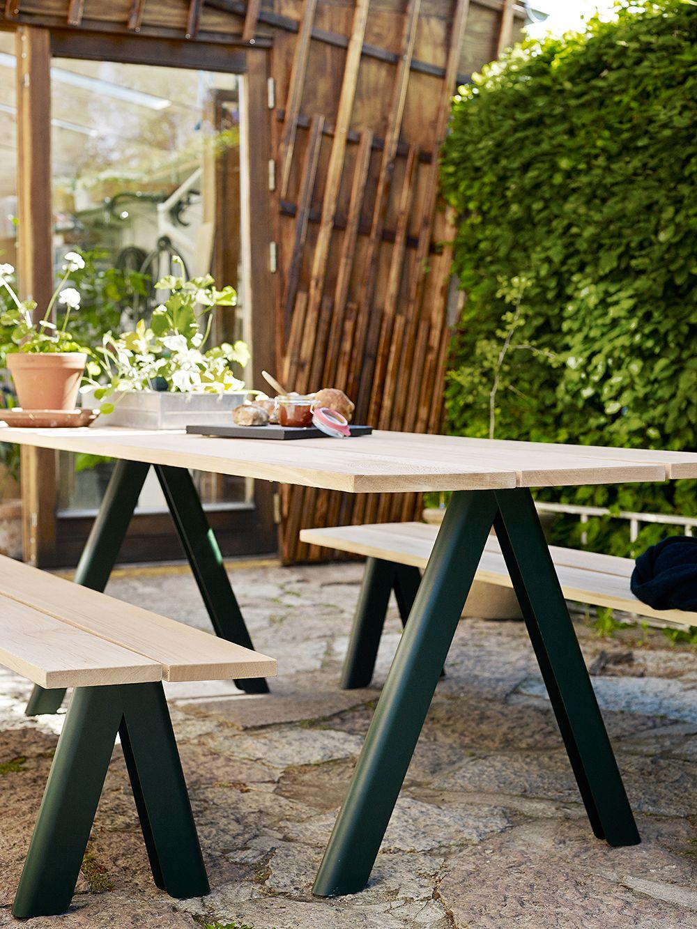 Skagerakin Overlap-pöytä ja -penkit