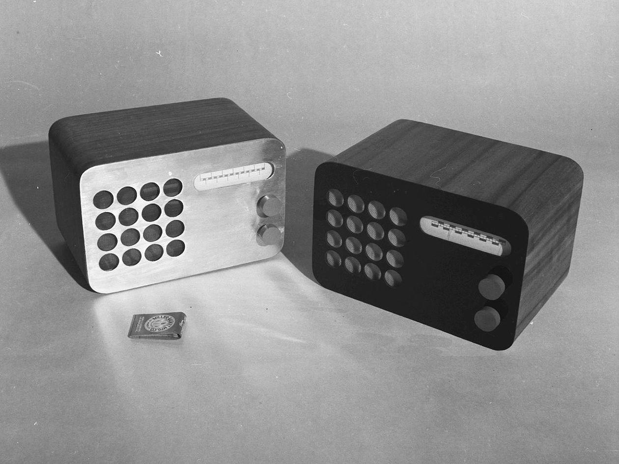 Eames Radion prototyyppejä