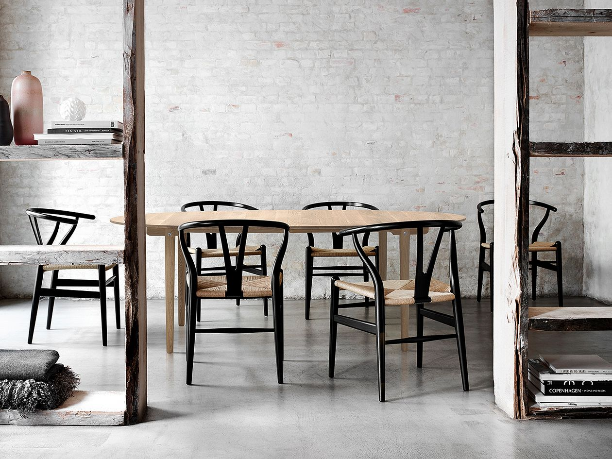 Carl Hansen & Søn CH24 Wishbone tuoli, musta pyökki - paperinaru