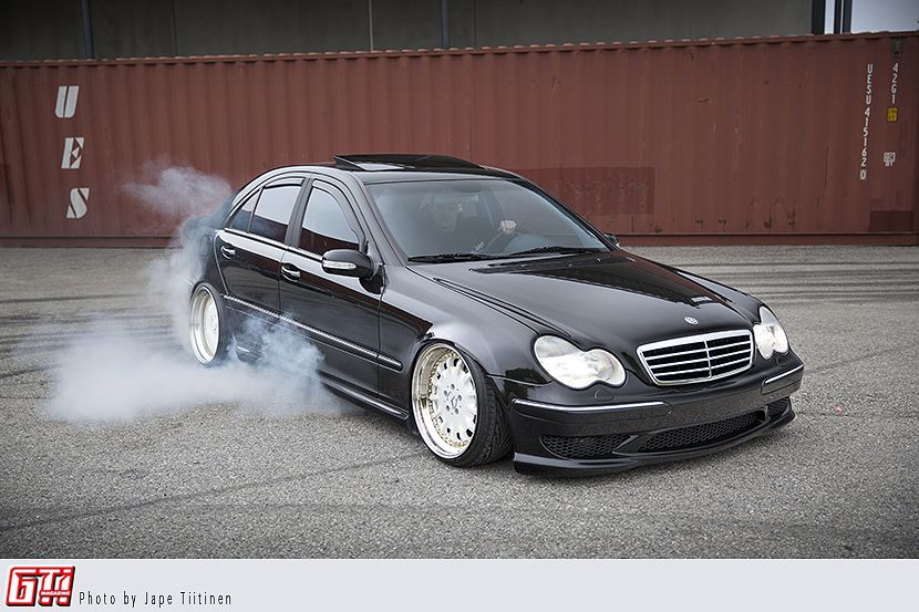 AMG WITH A LOT OF DIY - Mercedes-Benz C32 AMG 2001 (W203