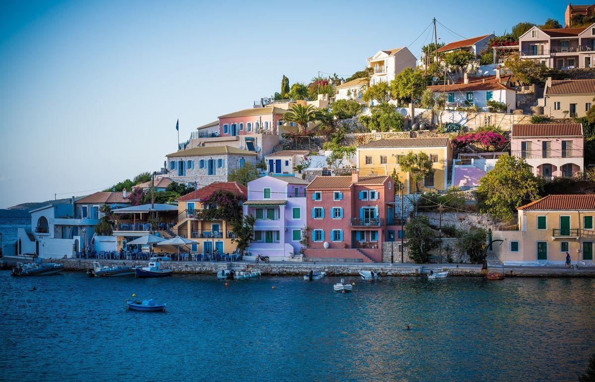 Petit village crétois en bord de mer