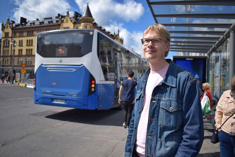Tampereen kaupungin joukkoliikenteen suunnittelupäällikkö Juha-Pekka Häyrynen