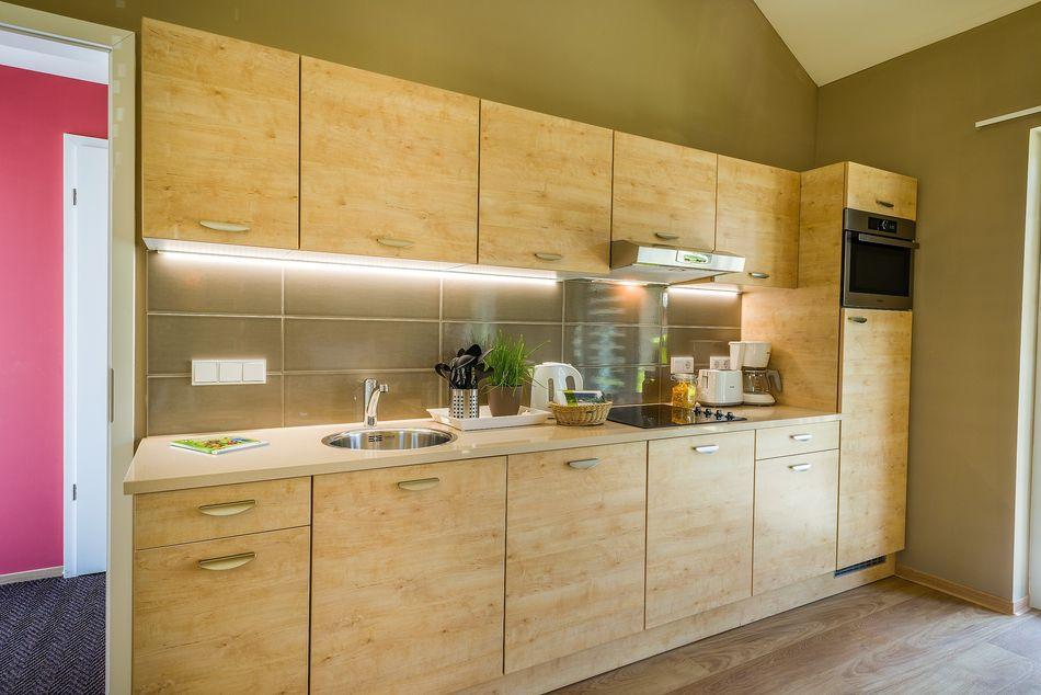 Komplett ausgestattet: die Küche inklusive Spülmaschine.