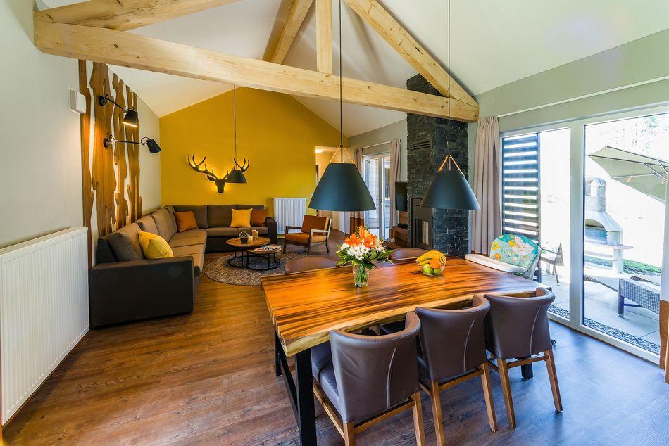 Und umgekehrt von der Küche Richtung Wohnzimmer - ein tolles Farbkonzept, oder?