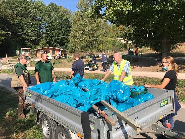 Sie sehen: Viele Säcke voller Müll wurden pro Park gesammelt, ein voller Erfolg!