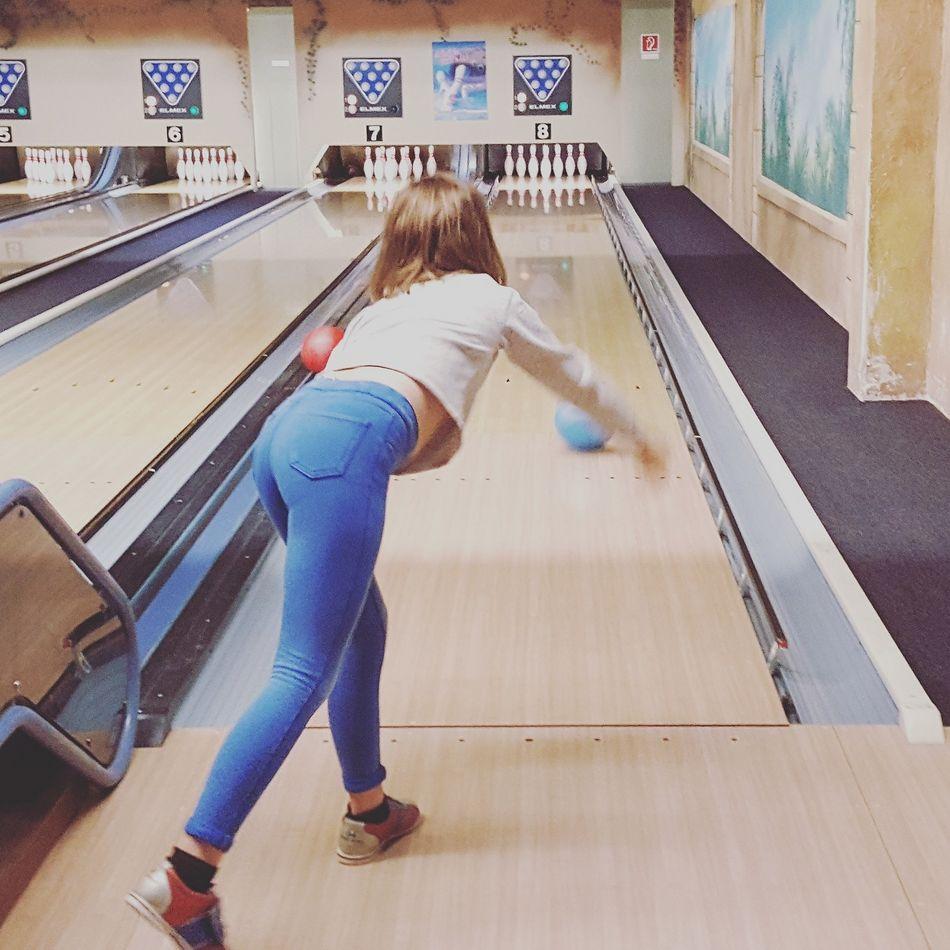 Familie Hillmer beim Bowling