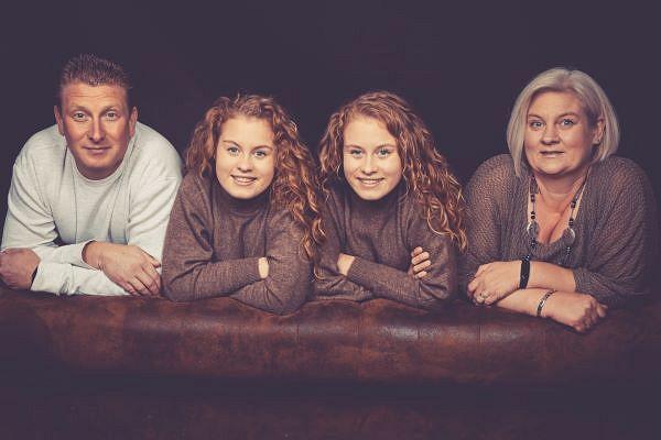 Nicole Wingens mit ihrem Mann und ihren Töchtern