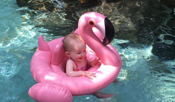 Ein sorgenfreier Urlaub mit Baby: Planschen im Aqua Mundo